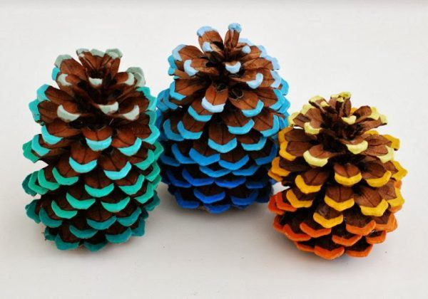 pine-cone-painted-tips