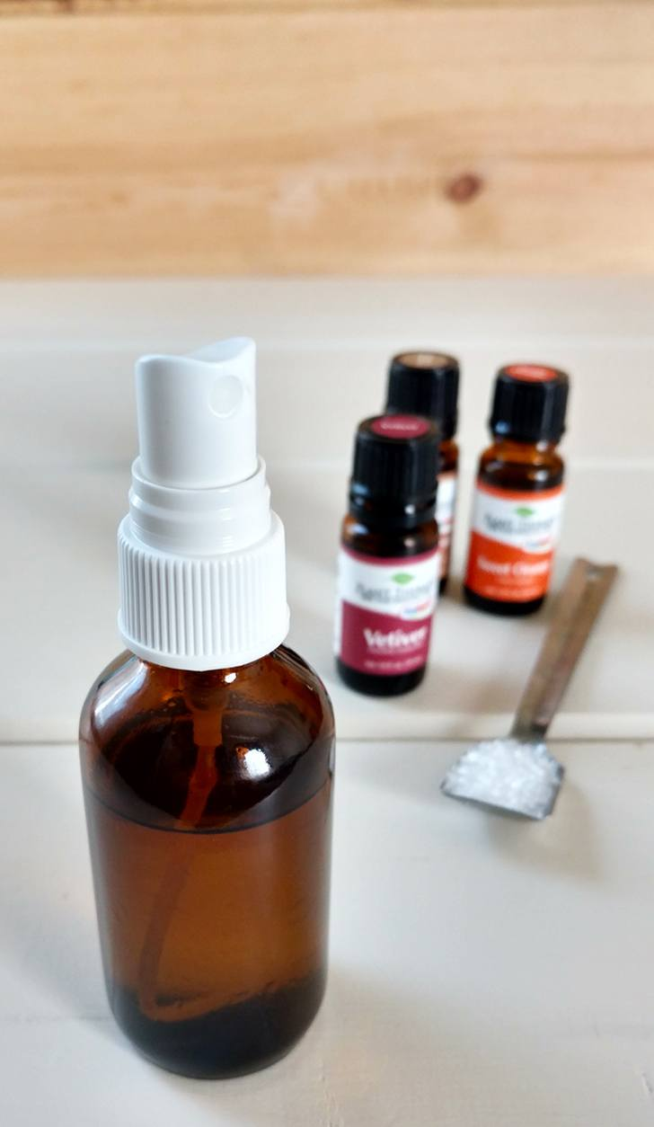 Homemade Magnesium Sleep Spray For Your Best Night's Sleep