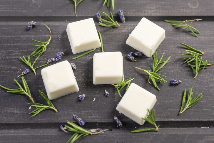 How To Make Your Own Beautifully Scented Wax Melts